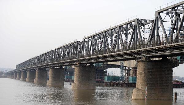 """今日""""老江桥"""""""