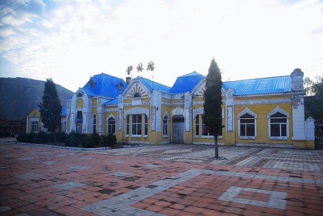以当年俄国筑路工程伊林名字命名的伊林站