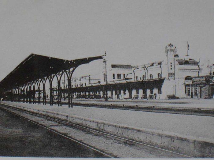 上世纪20年代的哈尔滨站内