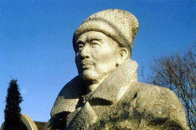 中国第一位布尔什维克