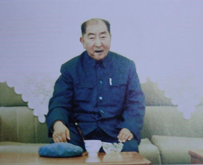 张瑞麟 1987年参加全国政协六届五次会议