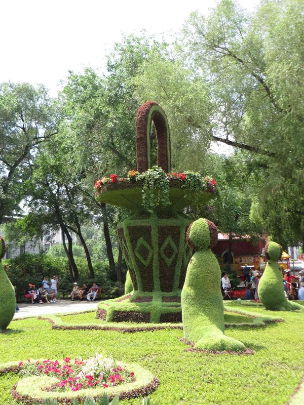 今夏斯大林公园五色草立体造型