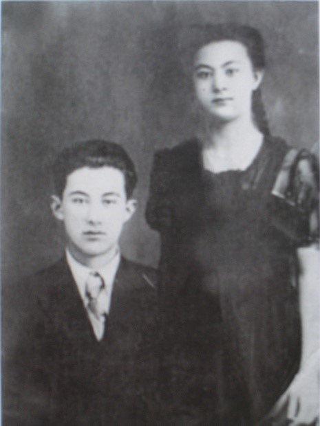 嘎丽娅和哥哥(1943年)
