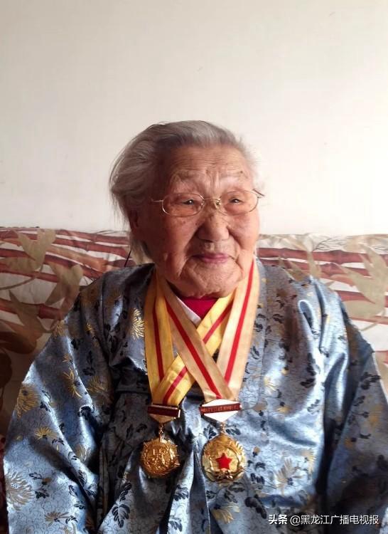 李在德2017年百岁寿辰