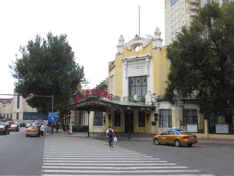 """奥列霍夫和顾问团住过的""""贵宾楼酒店""""(王宝滨拍摄)"""