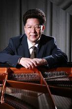 中国首位钢琴制造大师——施岩