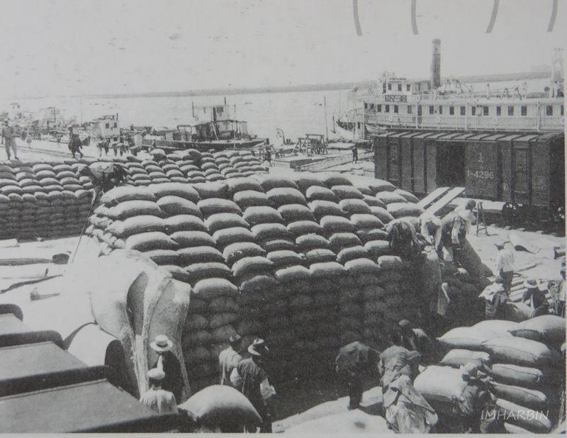 当年松花江南岸繁忙的水陆运输码头
