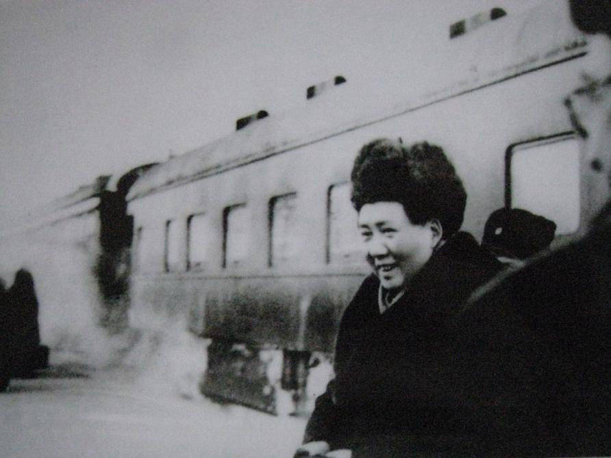 1950年2月,毛主席结束访苏回国在满洲里站走下苏联专列