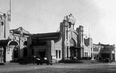 始建于1903年的秦家岗站候车室